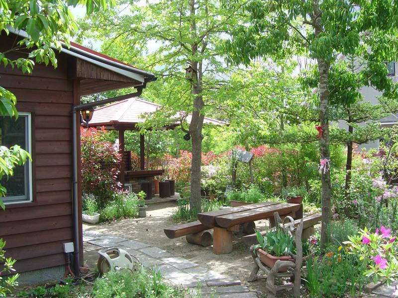 吉備中央町ケンジャミン・フランクリンのアンティークカフェ「ベルネーゼ」外観1