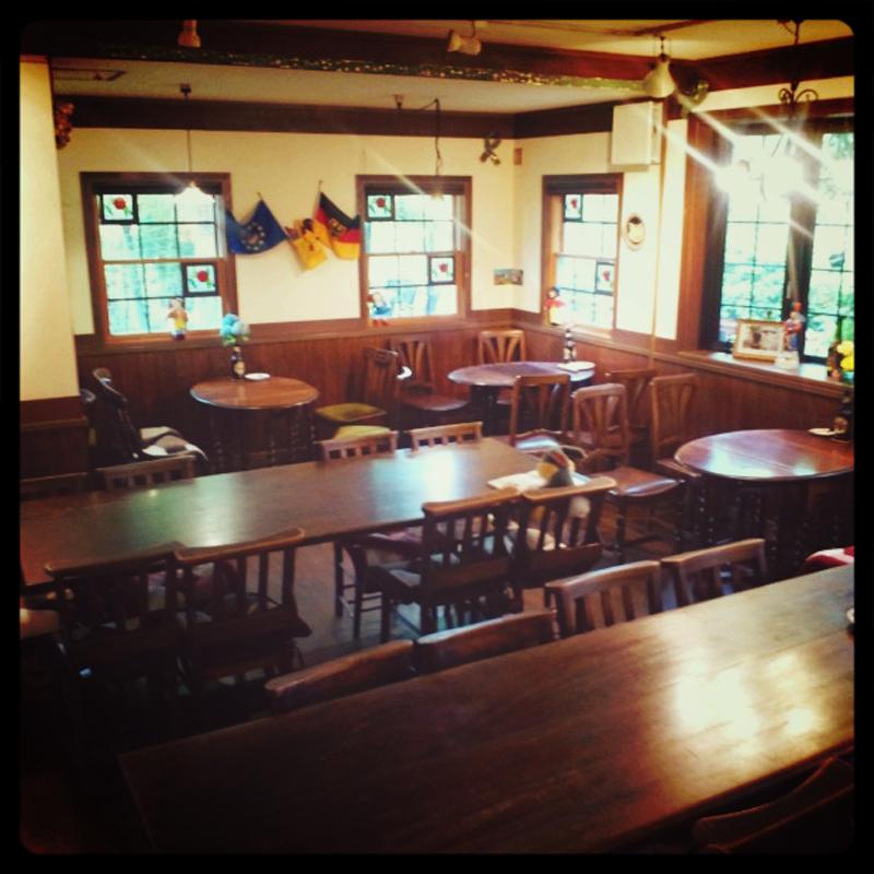 吉備中央町ケンジャミン・フランクリンのアンティークカフェ「ベルネーゼ」外観5